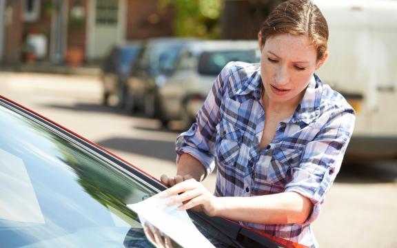 Caducée et stationnement